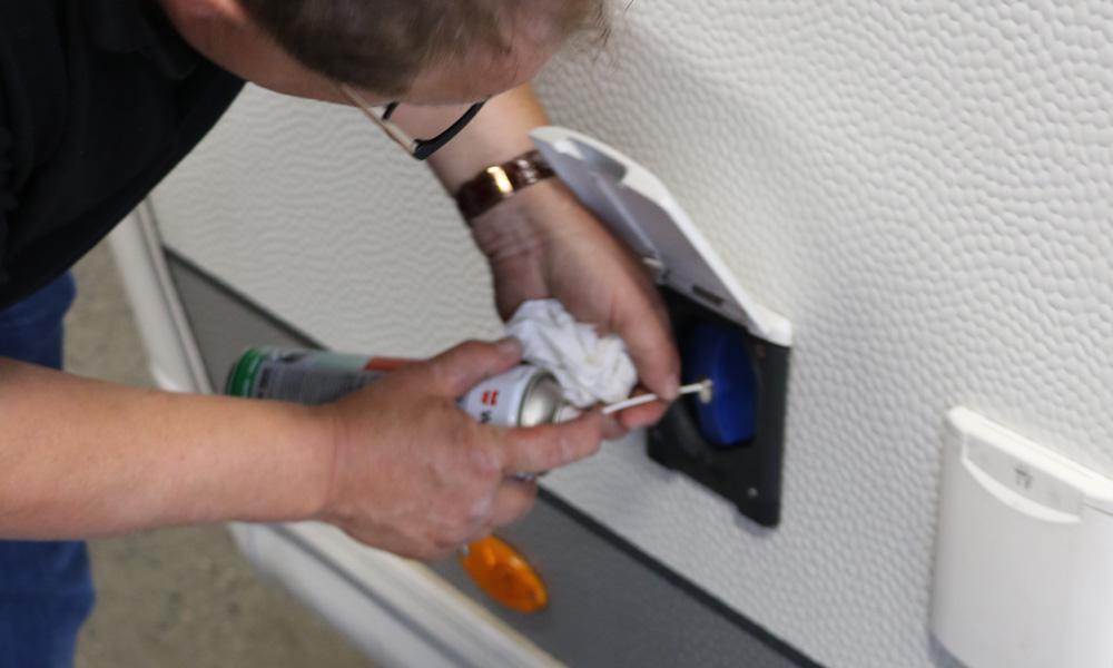 Ikke glem låsen på vanntanklokket, det kan bli leit å få av hvis låsen slår seg vrang