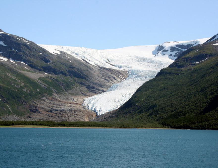 op een na grootste gletsjer van Noorwegen - Svartisen