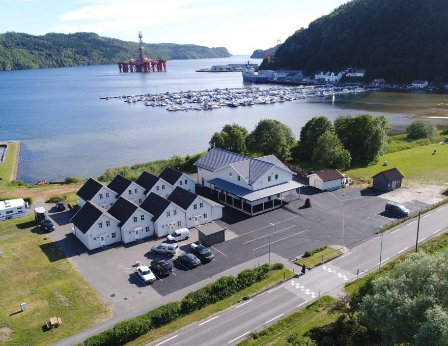 Beautifully located by the Rosfjord