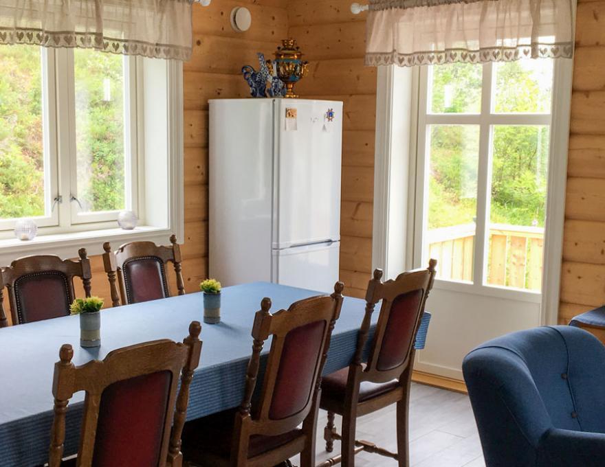 Nesshuset Blå - Kabelvåg Feriehus & Camping