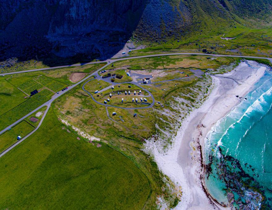 © Lofoten Beach Camp