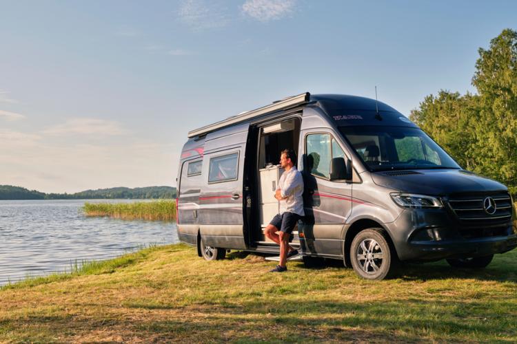 De nieuwe op Mercedes Sprinter gebaseerde KABE Van wordt gebouwd op een volledig nieuwe productielijn in de fabriek in Tenhult.