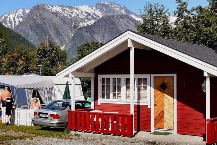 © Hjørundfjord Camping