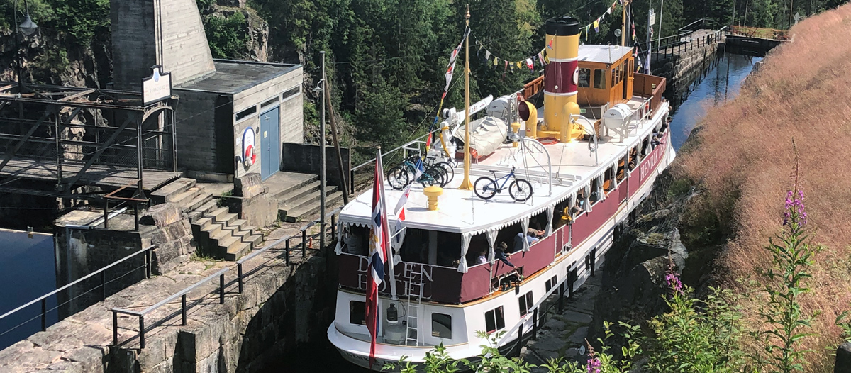 M / S Henrik Ibsen on the Telemark Canal.